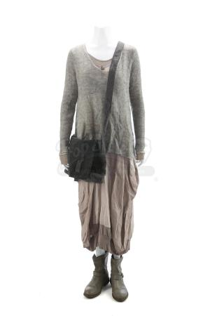 "Lot # 1 - Divergent (2014): Beatrice ""Tris"" Prior's Faction Aptitude Test Costume"