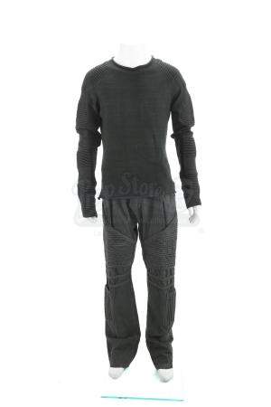 Lot # 27 - Divergent (2014): Peter's Bunk Relaxation Costume