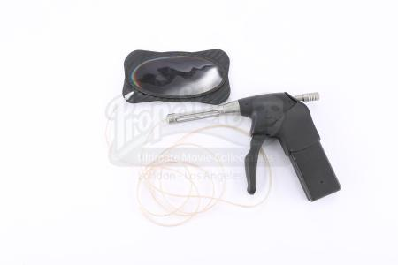 Lot # 37 - Divergent (2014): Tori's Tattoo Gun