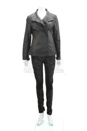 "Lot # 71 - Divergent (2014): Beatrice ""Tris"" Prior's Final Simulation Test Costume"