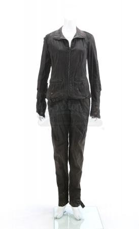 "Lot # 126 - The Divergent Series: Insurgent (2015): Beatrice ""Tris"" Prior's Simulation Jacket and Pants"