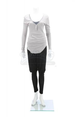 Lot # 153 - The Divergent Series: Insurgent (2015): Evelyn's Plea Costume