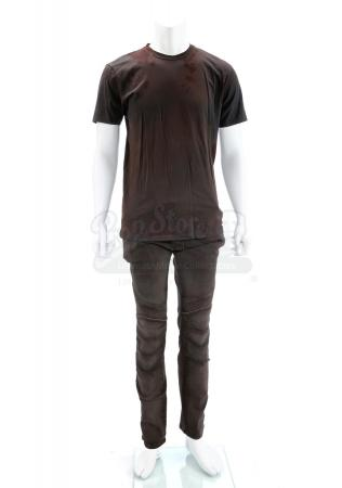 "Lot # 180 - The Divergent Series: Allegiant (2016): Tobias ""Four"" Chicago Escape T-Shirt and Pants"