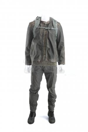 Lot # 188 - S3 Multiple Episodes: Broussard's Travel Costume