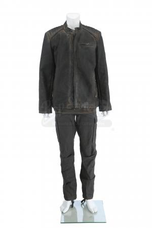 Lot # 223 - S3 Multiple Episodes: Broussard's Travel Costume