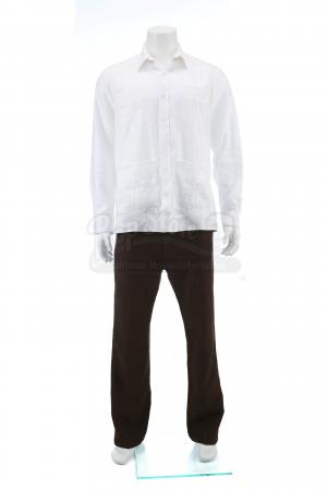Lot # 2: Alejandro's (Benicio Del Toro) Columbia Apartment Costume