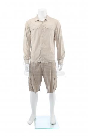 Lot # 19: Matt's (Josh Brolin) Interrogation Costume