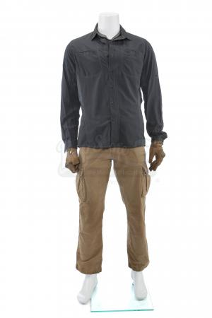 Lot # 62: Matt's (Josh Brolin) Convoy Ambush Costume
