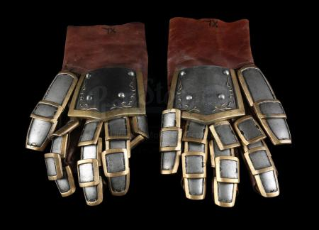 Lot # 161: Alliance Royal Guard Gloves