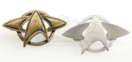 Lot # 15: STAR TREK INTO DARKNESS (2013) - Two Starfleet Pins