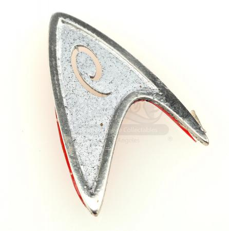 Lot # 61: STAR TREK INTO DARKNESS (2013) - Operations Division Insignia Pin