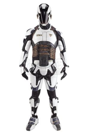 Lot #817 - TOTAL RECALL (2012) - Police Robot Costume