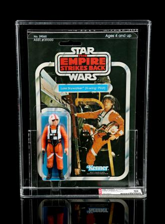 Lot # 212 - Luke Skywalker (X-Wing Pilot) ESB41D AFA 85