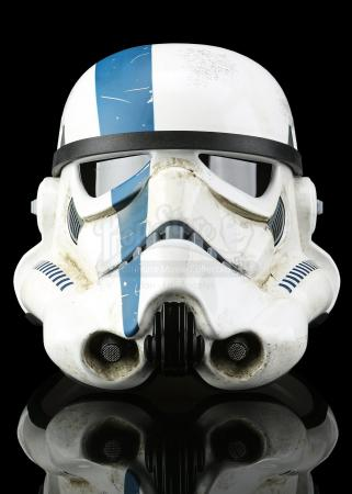 Lot # 694 - eFX Collectibles TFU Stormtrooper Commander Helmet