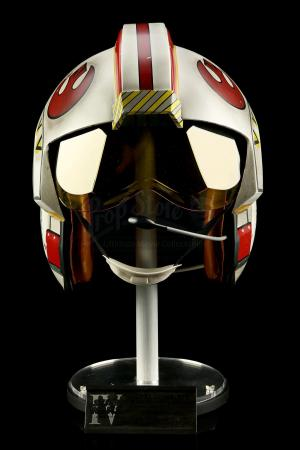 Lot # 687 - Luke Skywalker X-Wing Pilot Helmet